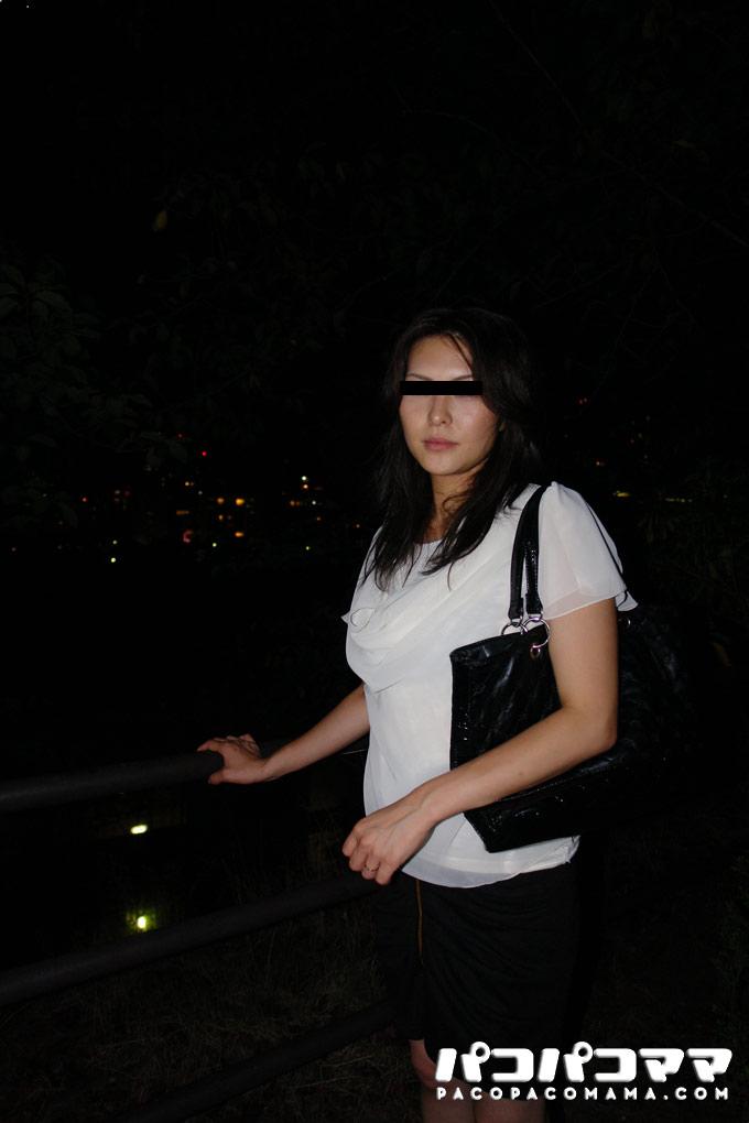 深夜の野外露出